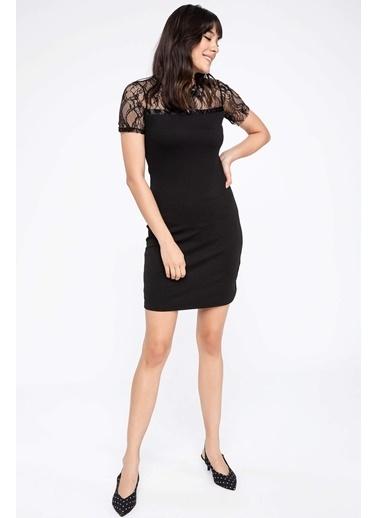 DeFacto Dantel Detaylı Elbise Siyah